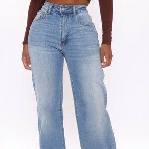 NWT Fashion Nova Medium Blue Wash Jean
